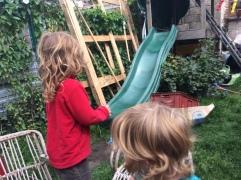 Fete improviser par Leto dans le jardin